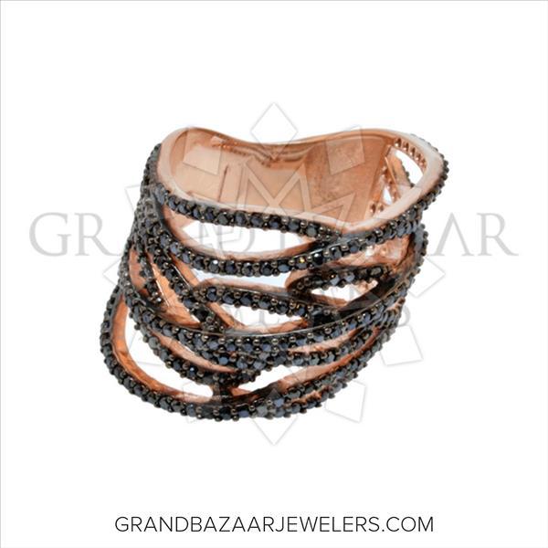 Chic Black Gemstone Twister Ring